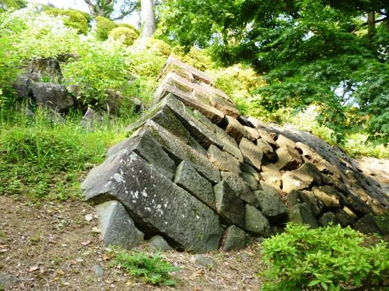 関東大震災で崩れた石垣2
