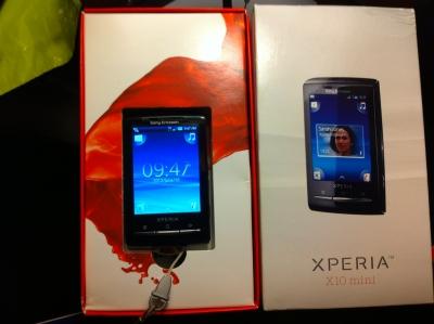 バルセロナ空港で購入したXperia X10 mini (欧州版)