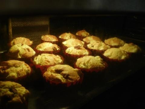クランベリークリームチーズマフィン 焼成中