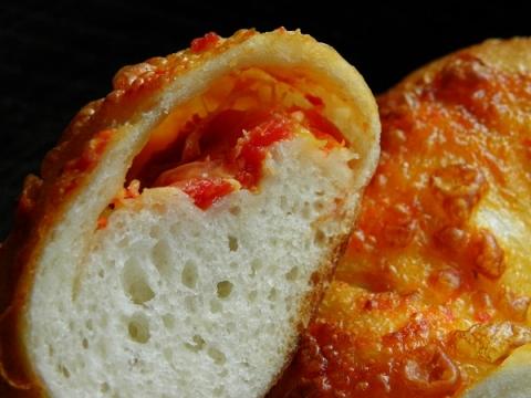 トマトとチーズベーグル 断面