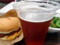 タモリカップビールと黒豚メンチバーガー