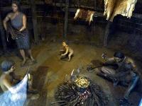 竪穴式住居のレプリカ