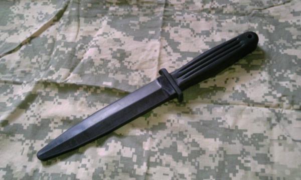 トレーニングナイフ色々、ナイフファイトに使えるトレーニングナイフって!?1