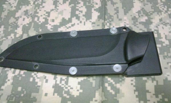 ガンスリンガーガールに登場するピノッキオのナイフ S&W HRT4