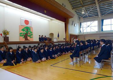 5年生の謡「鶴亀」で厳粛な式が