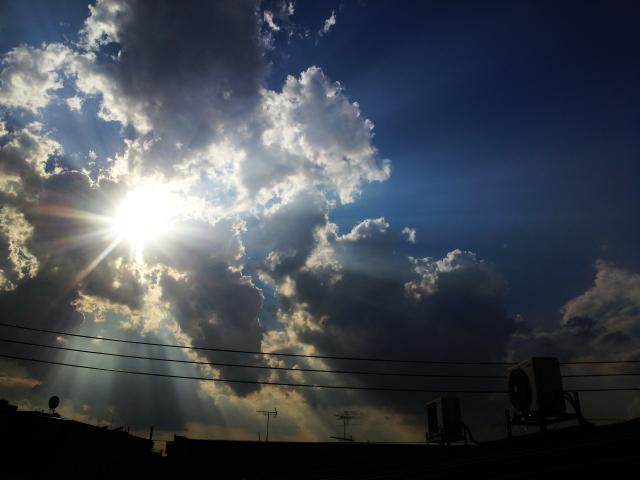 雲の木漏れ日レタッチ