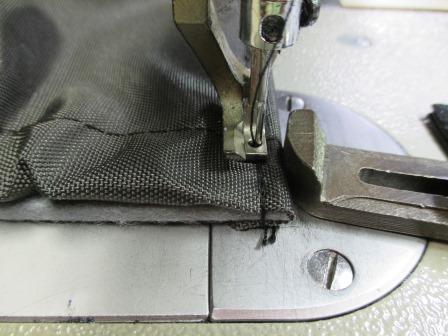 タカベ株式会社 縫製中