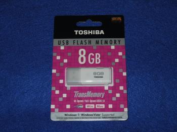 TOSHIBA USB 8GB