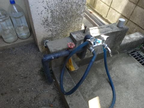 ②井戸水場