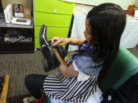 娘が靴磨きをしてくれました!