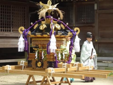 八坂神社神輿① 石崎宮司
