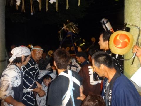 須賀神社祇園際㉔ 神輿が上がってきた