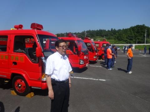消防団操法大会⑦ 消防ポンプ車前にて応援