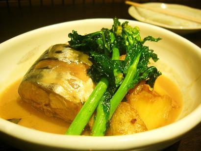 鯖と新じゃがの味噌煮です (3)