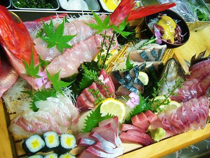 大漁コース刺身です (2)