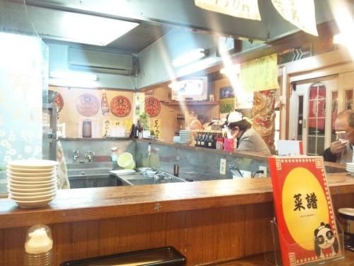 2014.3.22中華料理屋へ西伊豆ドライブの帰りに寄った店内の雰囲気をアート的写真とし撮影した