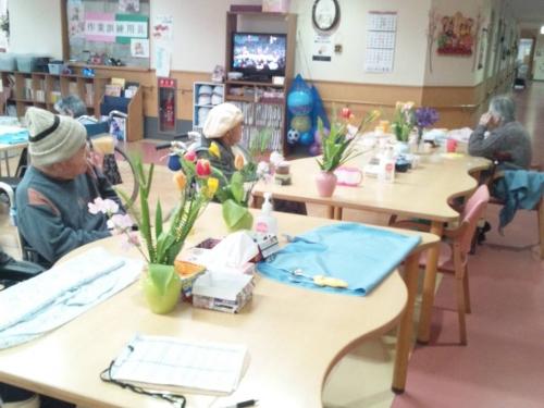母親が入居してる介護老人保健施設の食堂の風景写真をデジカメ撮影