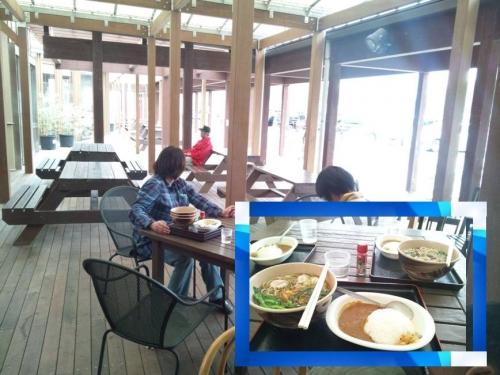 いい雰囲気のハイウェイオアシス富楽里で3人半カレー付きそばを食べた