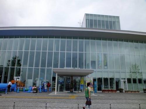 御殿場市富士山交流センターこと富士山樹空の森ビジターセンターの外観写真