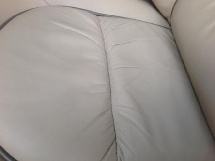 運転席後座面