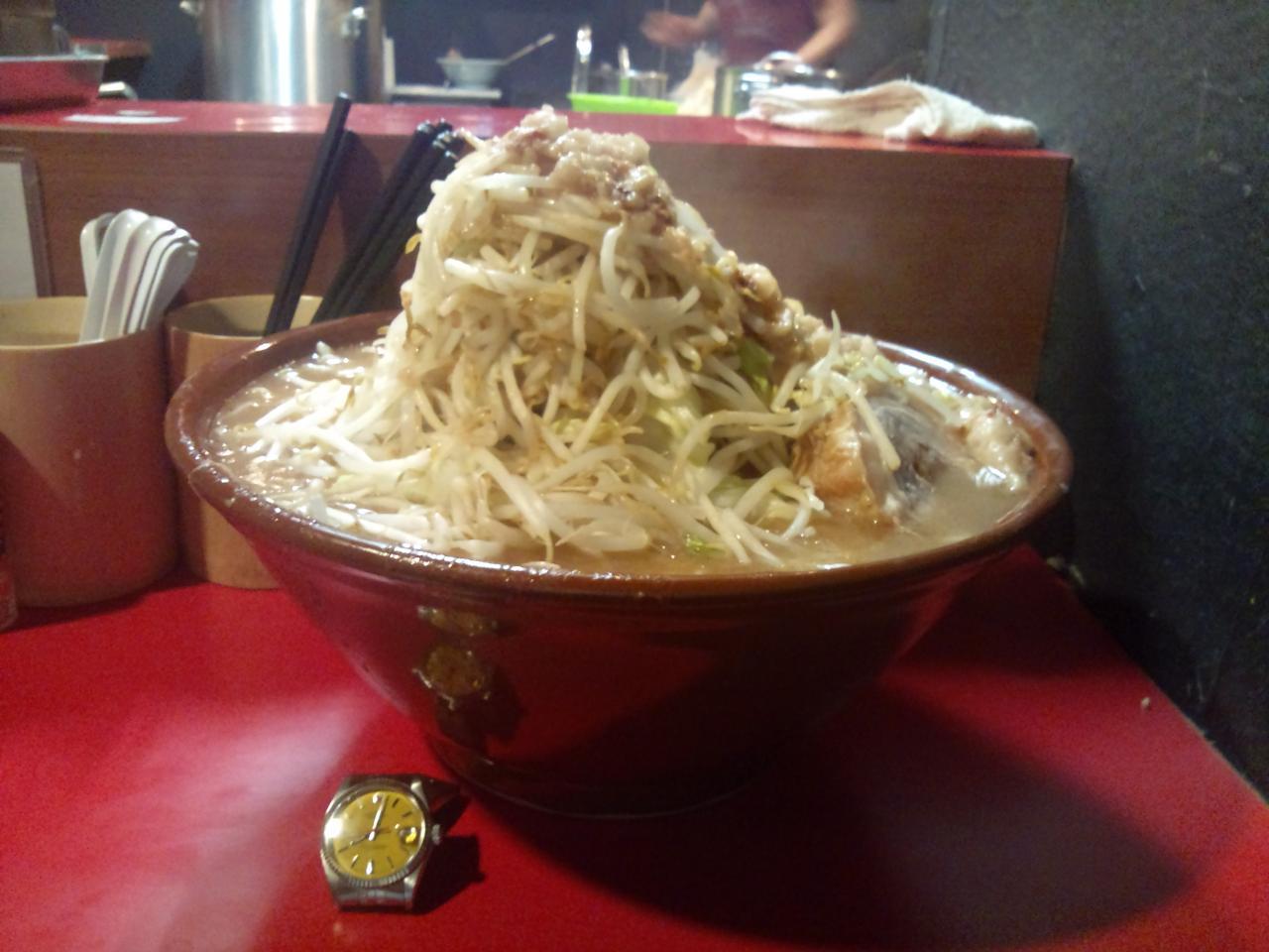 麺屋鳳(大盛麺増しやさいマシマシ)