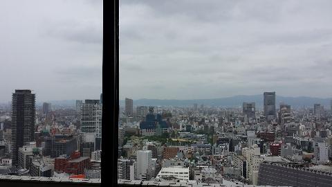 梅田30階のカフェ景色