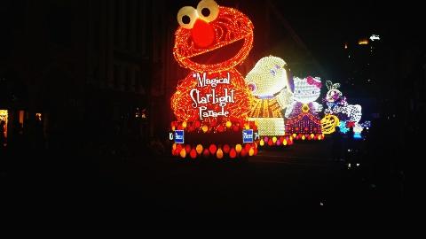 usj夜のパレードのスヌーピー