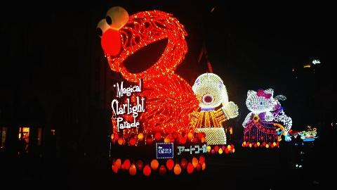 usj夜のパレードのセサミストリート