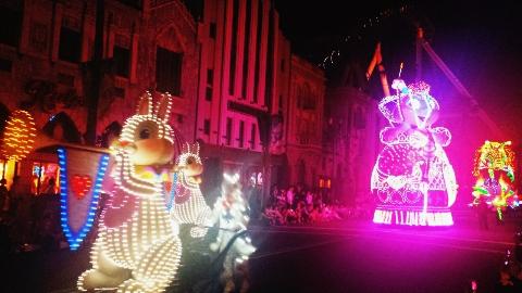 ハリーポッター時のusj夜のパレード風景