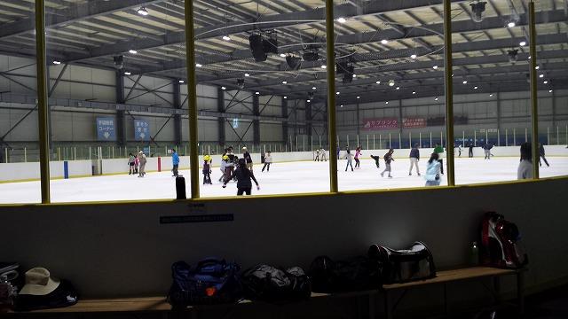 夏でもアイススケート場