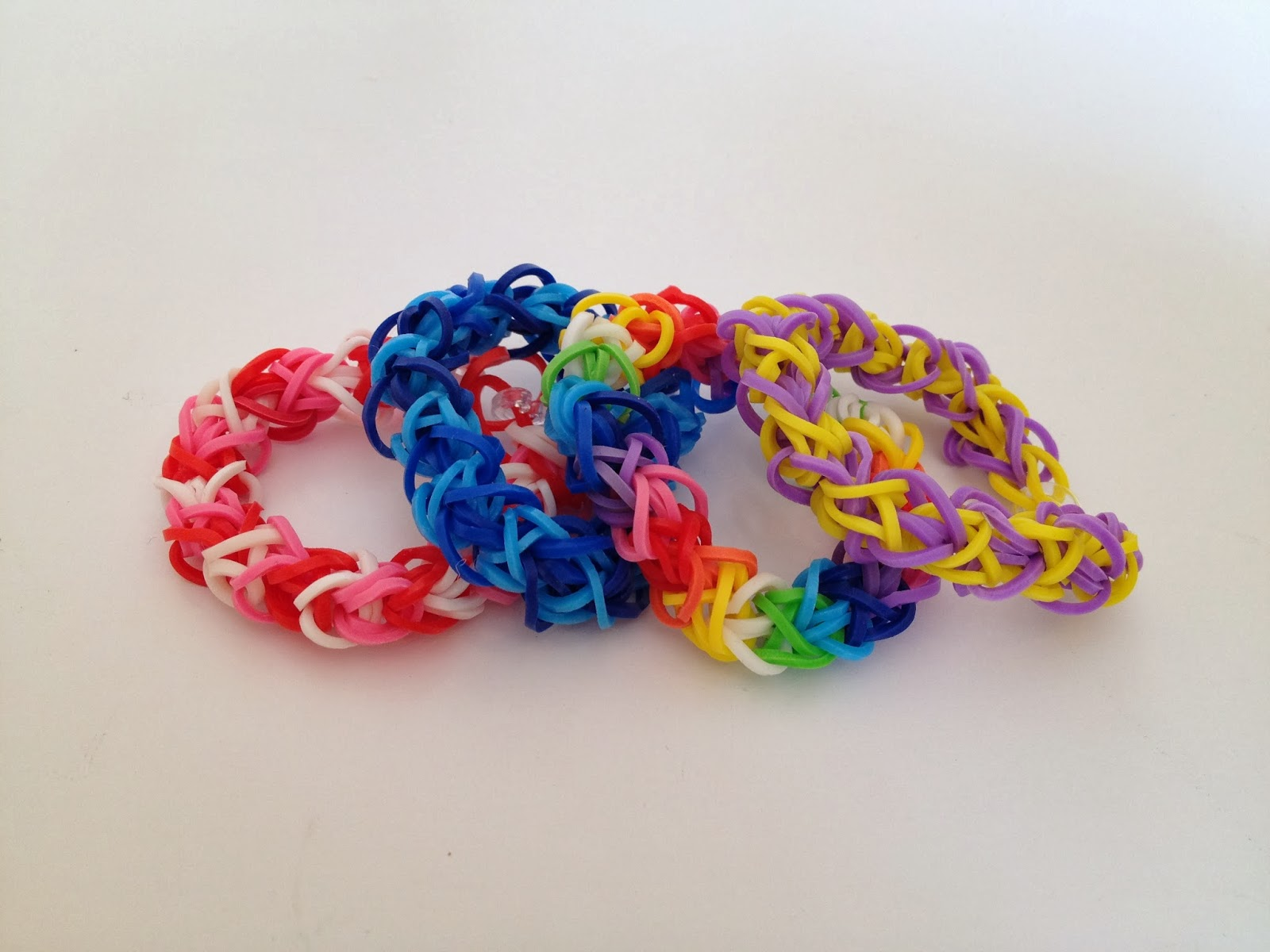 Rainbow Loom(レインボールーム)輪ゴムアクセサリー