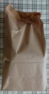 買ったパンはこの袋に入れてくれています。