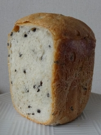 ブラックオリーブ食パン