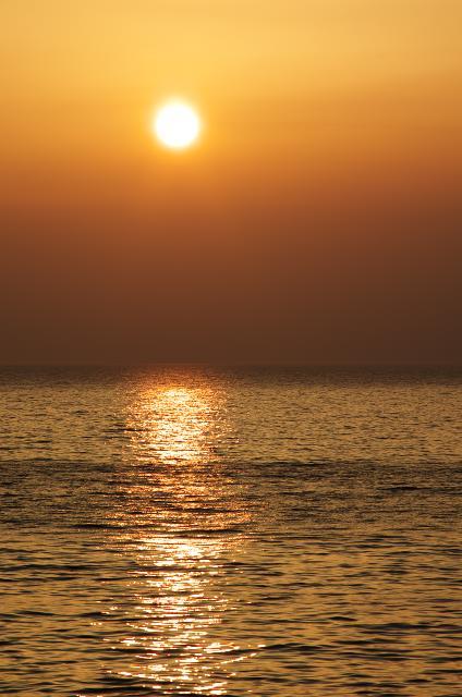 夕陽と大村湾