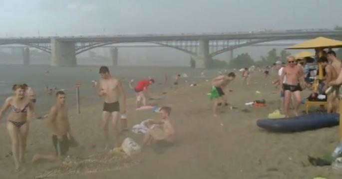 ロシア ゲリラ 豪雨 雹