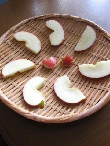 リンゴを干す0228