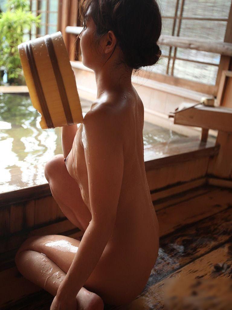 風呂 入浴中 エロ画像 3