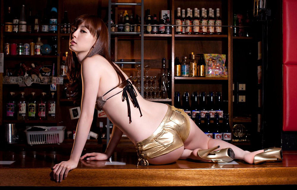 秋山莉奈 オシリーナの水着画像 7
