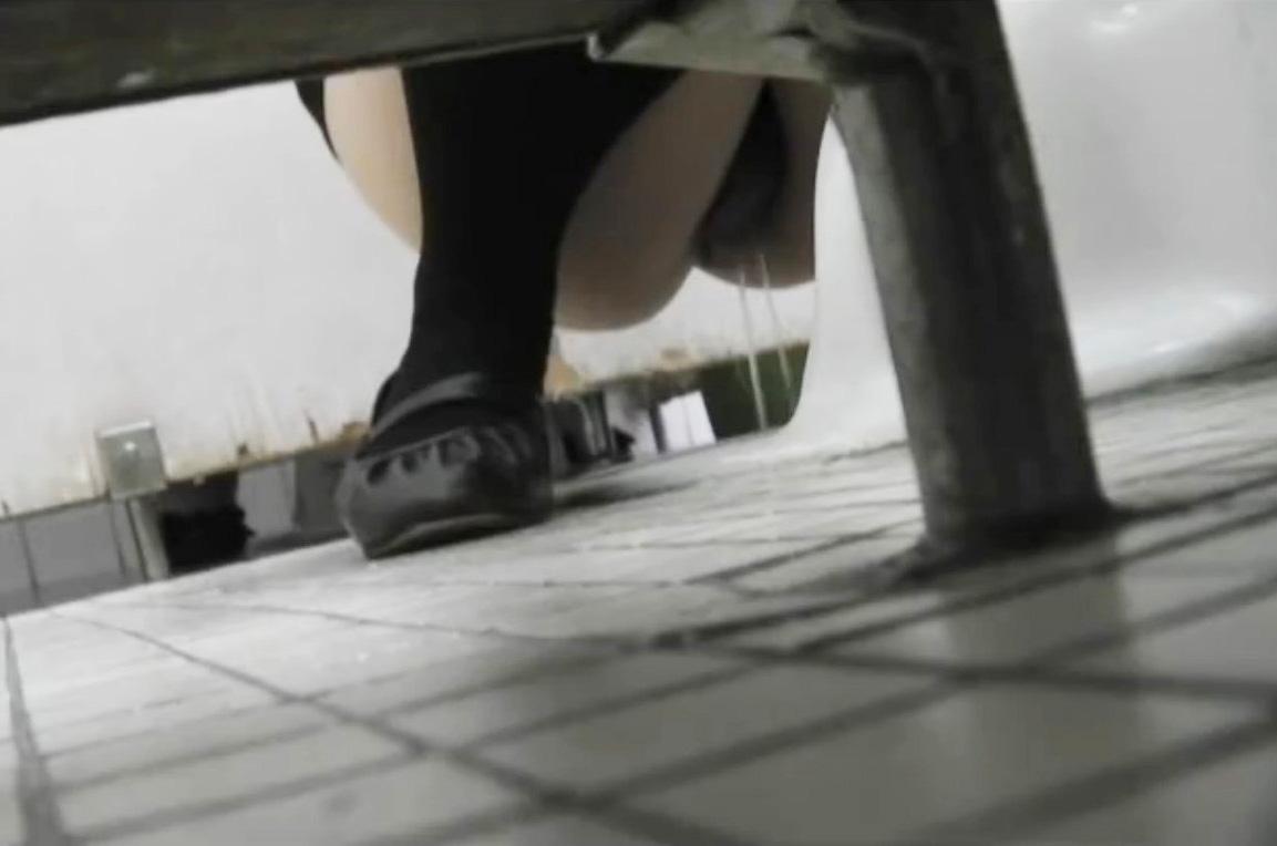 女子トイレ 盗撮 画像 14