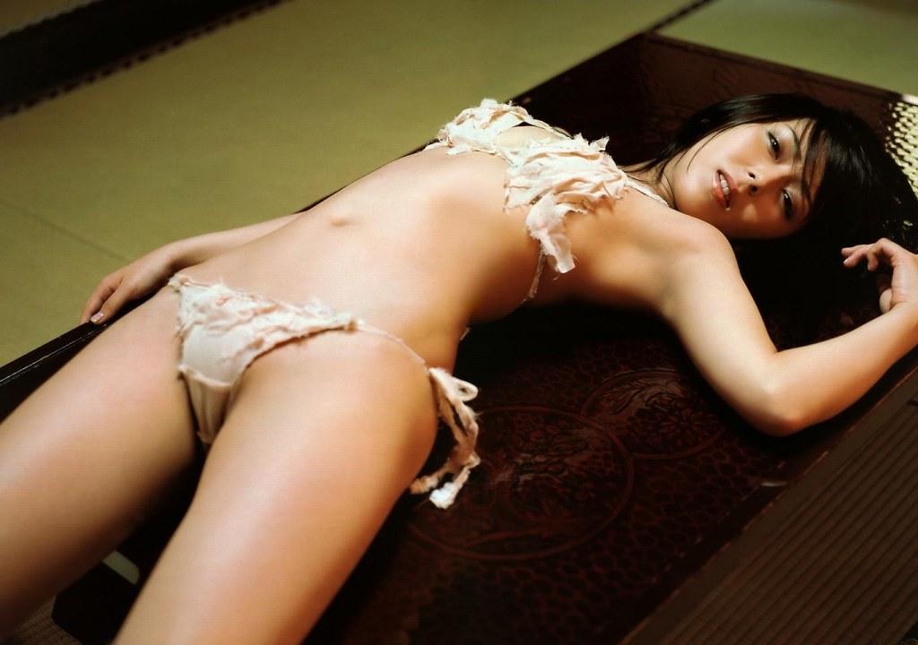 セクシーな下着姿のエロ画像 16