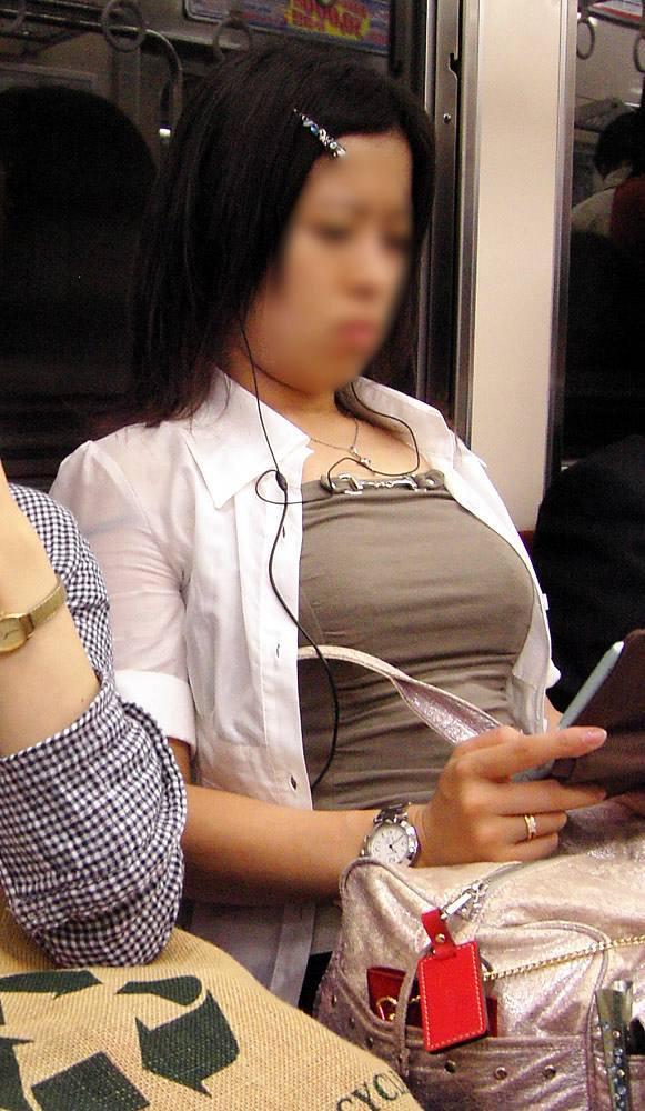 街撮り盗撮 着衣巨乳画像 18