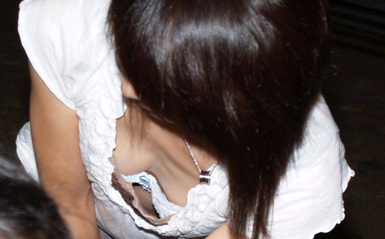 胸チラ 画像 22