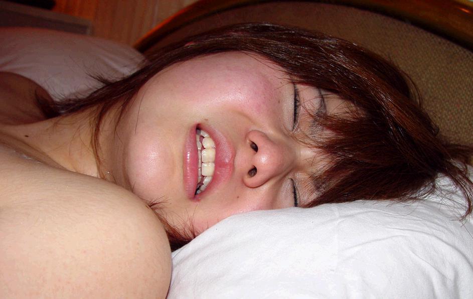 イキ顔 アヘ顔 喘ぎ顔 SEX中の感じる女の顔が異常にヌケるエロ画像 23