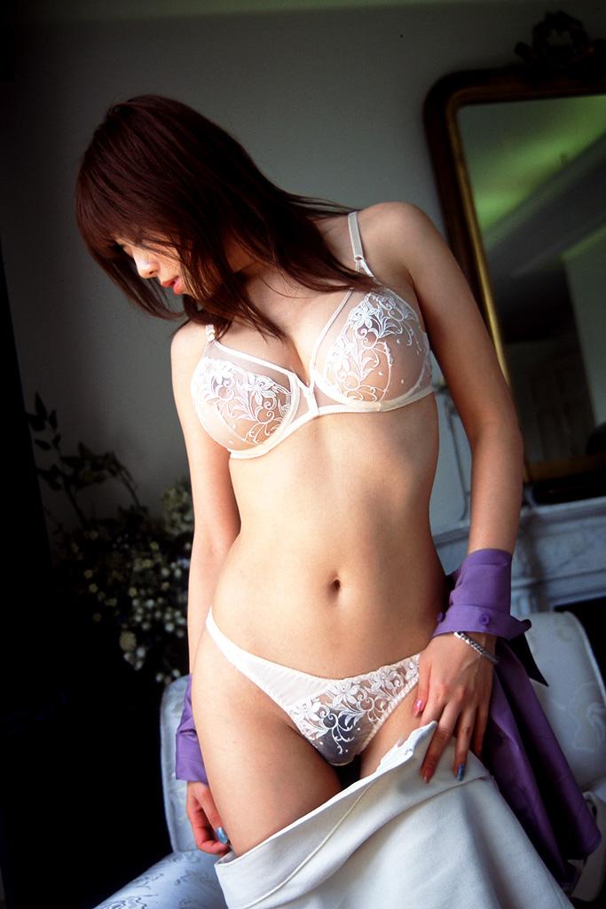 セクシーな下着姿のエロ画像 26
