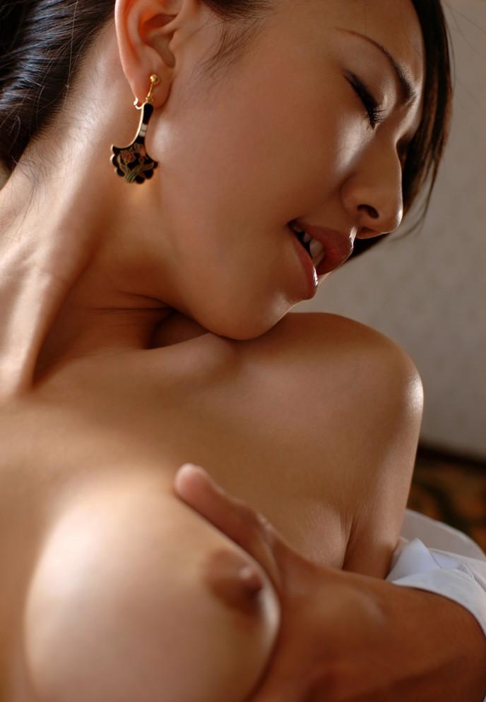 綺麗なお姉さんのエロ画像 27