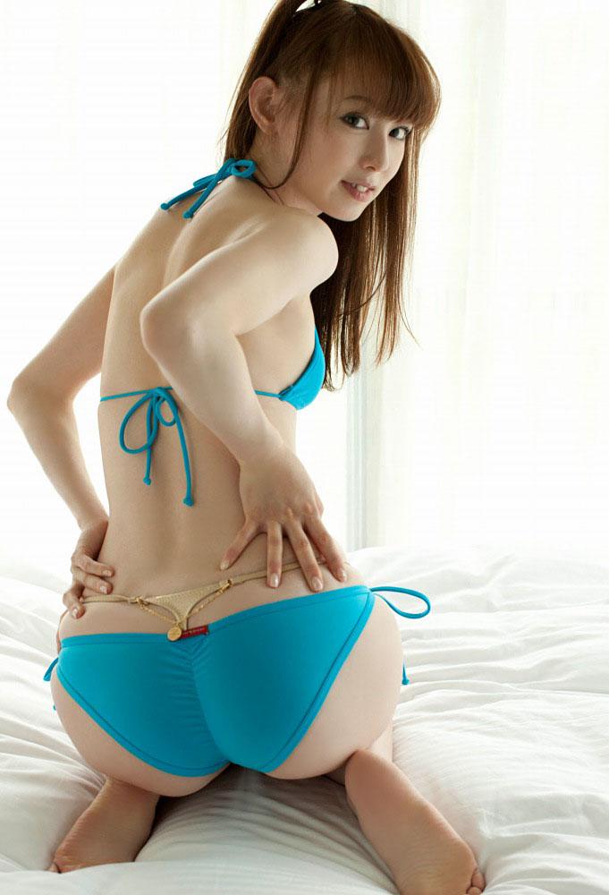 秋山莉奈 オシリーナの水着画像 36