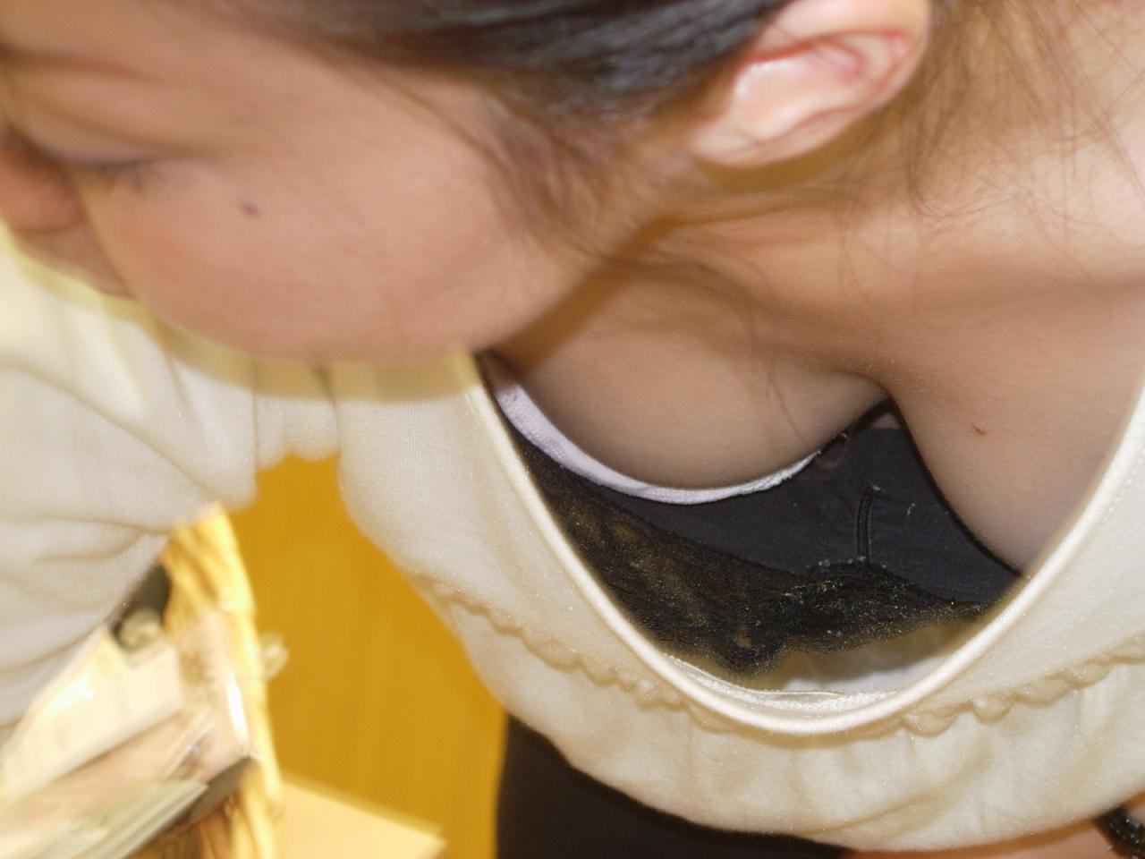 胸チラ 画像 39