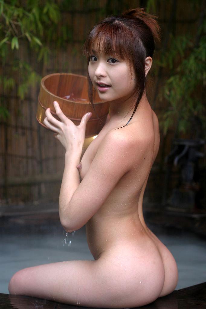 風呂 入浴中 エロ画像 42