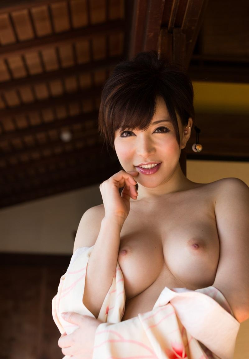 柔らかそうな美乳おっぱい画像 49
