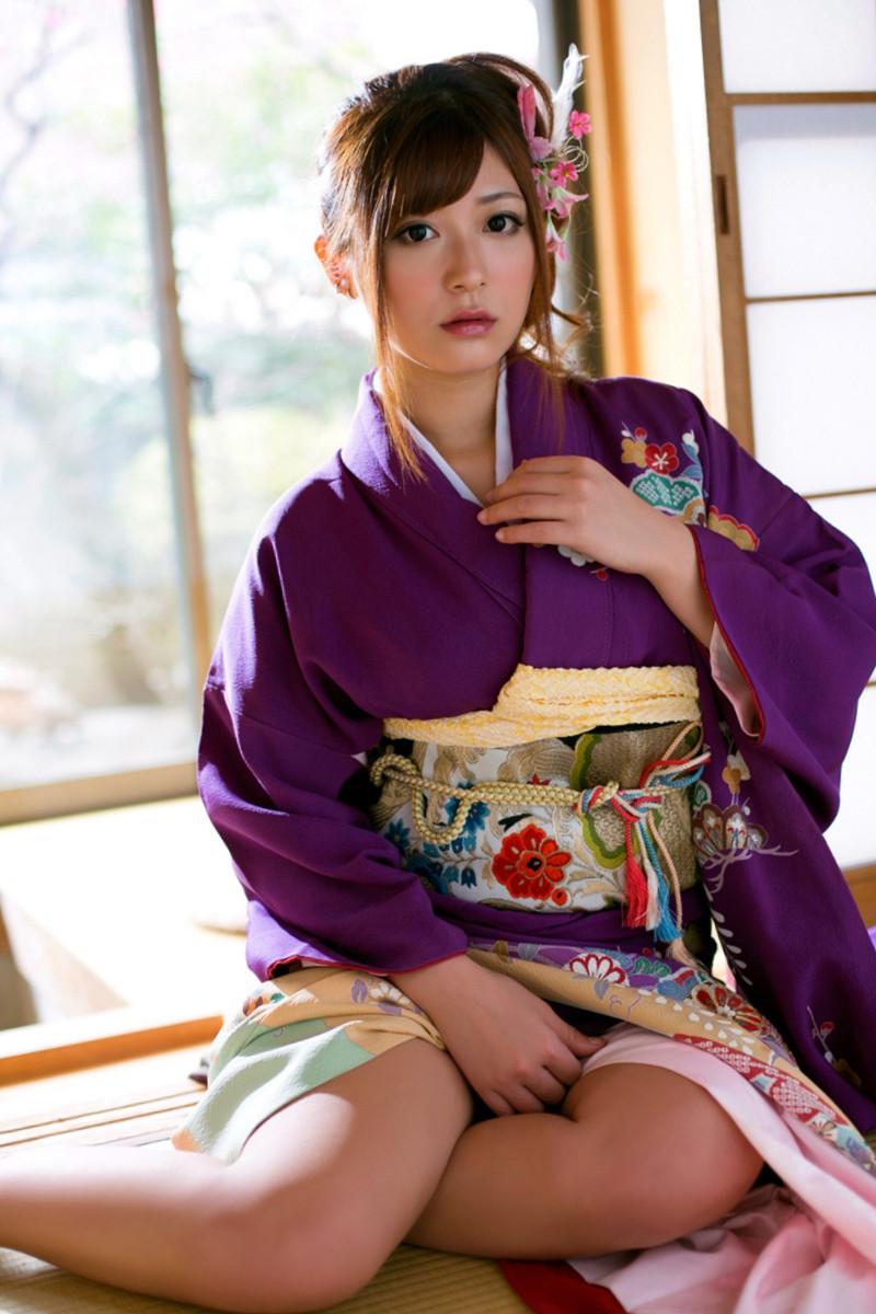 франции зрелая японка в кимоно одной серий барни